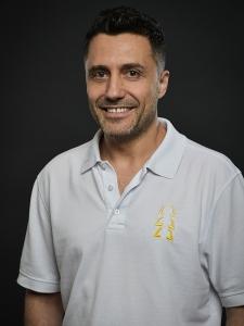 Perparim Elezaj, Osteopath D.O., Bachelor der Physiotherapie (IT), Dipl. Sportwissenschaftler, ateré Frankfurt